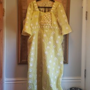 Dresses & Skirts - Ladies African Gown with scarf 18W